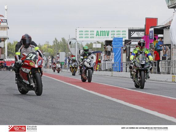 motos en el paddock del Circuit de Barcelona-Catalunya
