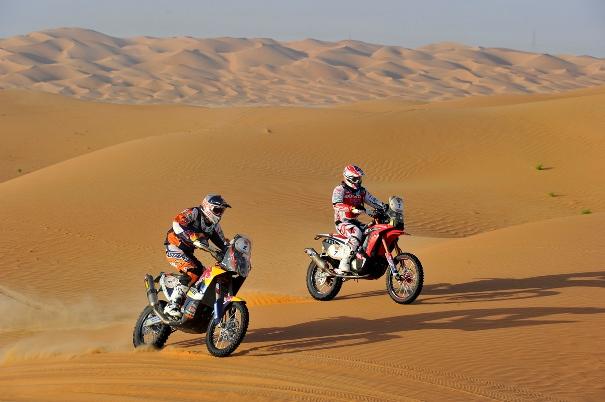 Marc Coma y Joan Barreda en el desierto. |AMV