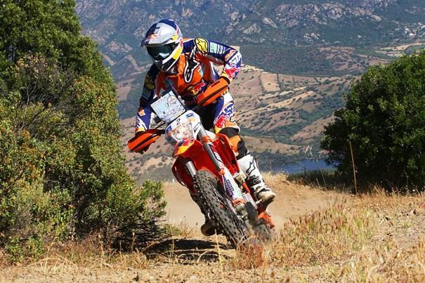 Marc Coma y su moto en el Rally de Cerdeña
