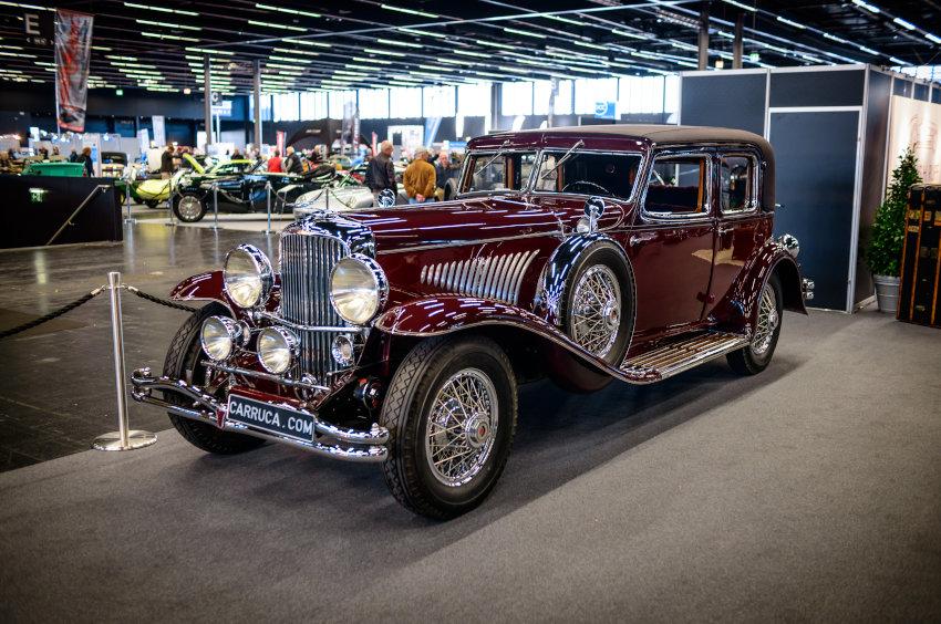 Imagen de un Duesenberg J. en una exposición de coches