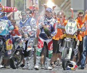 Marc Coma celebra Dakar 2011