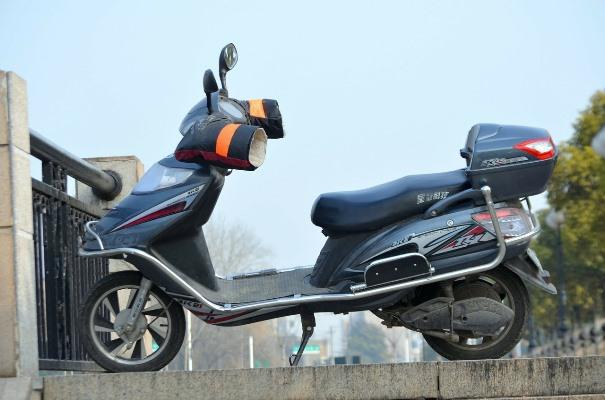 Imagen de una moto eléctrica. | Pixabay