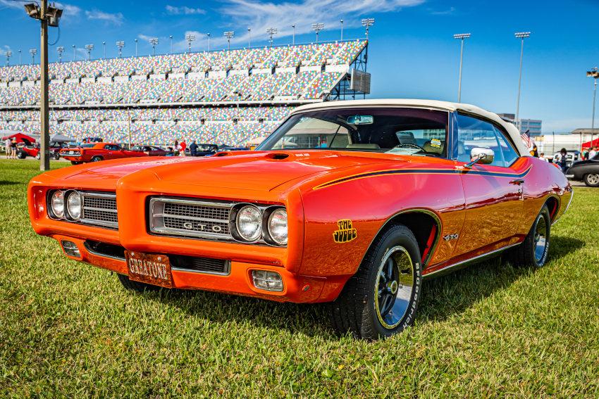 Pontiac GTO aparcado