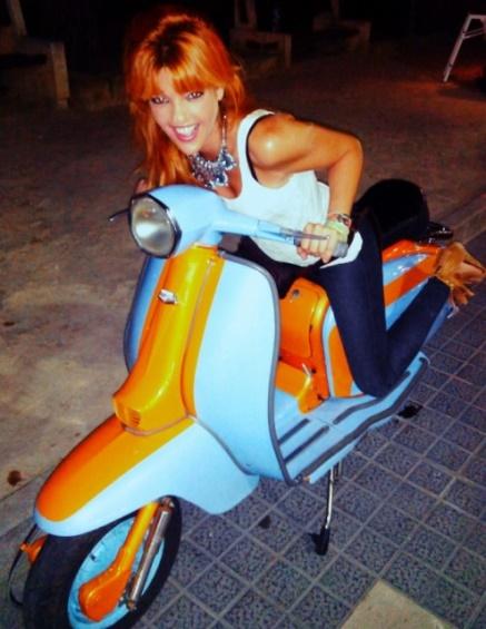 Scooter por la ciudad.