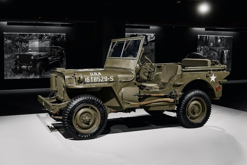 Willis MB expuesto en el salón de un meso de vehículos clásicos