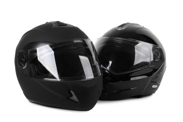 Dos ejemplos de casco integral (iStock)