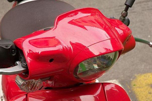 Imagen de un ciclomotor de segunda mano. | Cepolina