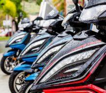 scooters en ciudad