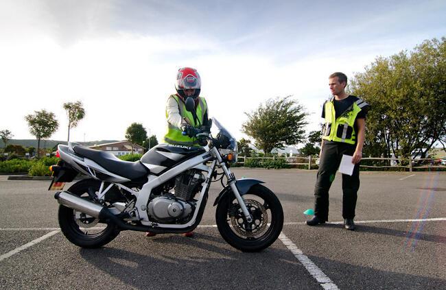 cursos de conducción de moto