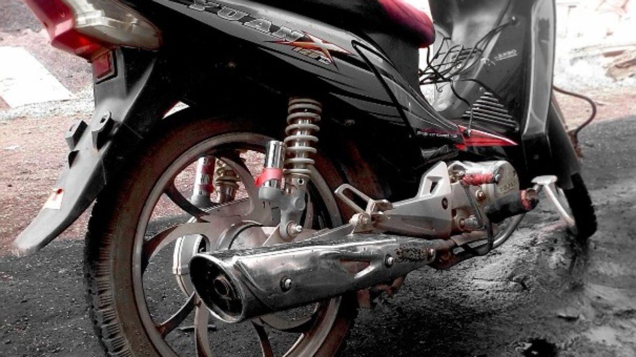Cómo Deben Ser Los Tubos De Escape De Una Moto Blog Amv
