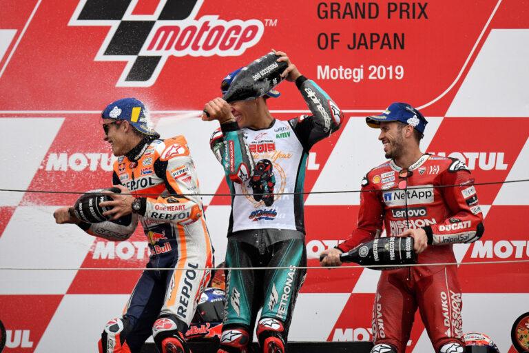 Fabio Quartararo celebrando su podio MotoGP Japón 2019
