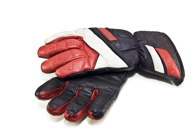 guantes de moto de invierno (iStock)