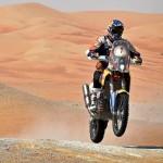 Marc Coma y su moto por el desierto