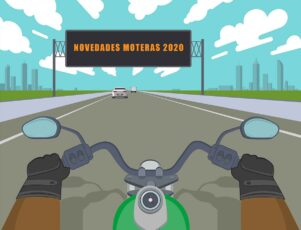 Moto en autopista con cartel luminoso.