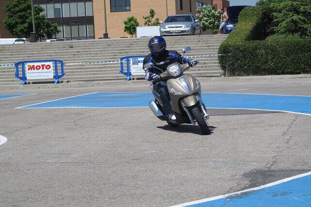 Motorista novato. Prácticas en moto. (Fundación AMV)