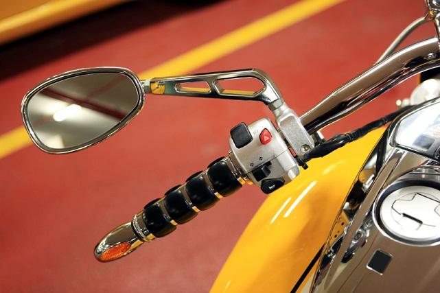retrovisores de moto (iStock)